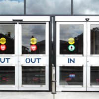 9 دلیل برای استفاده از درب اتوماتیک
